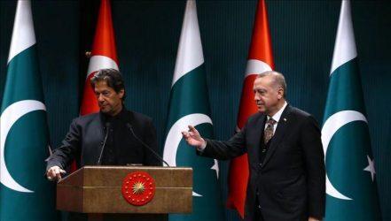 Ο Πακιστανός Πρωθυπουργός προτρέπει τους Διπλωμάτες του να ακολουθήσουν το μοντέλο της Τουρκίας