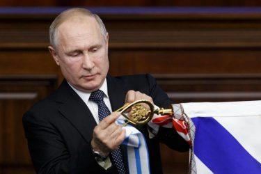 O Πούτιν εγκαινίασε την σιδηροδρομική σύνδεση Ρωσίας-Κριμαίας