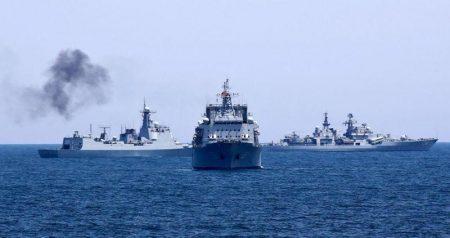 Το ρωσικό υπουργείο Άμυνας διαψεύδει τον 5ο αμερικανικό στόλο για το περιστατικό στην Αραβική θάλασσα