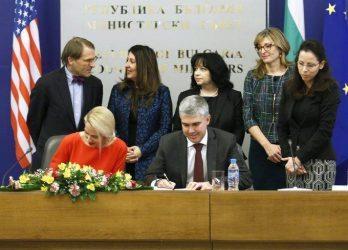 Με ποσοστό 20% μπαίνει και η Bulgartransgaz στο FSRU της Αλεξανδρούπολης