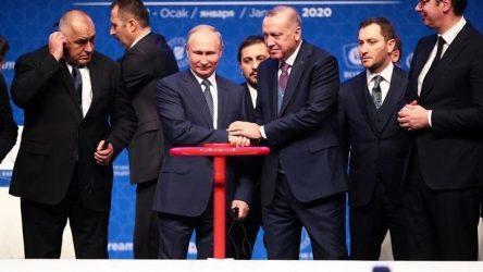 Εγκαινίασαν τον Turkish Stream την ώρα που η Bulgartransgaz υπέγραφε για το FSRU της Αλεξανδρούπολης