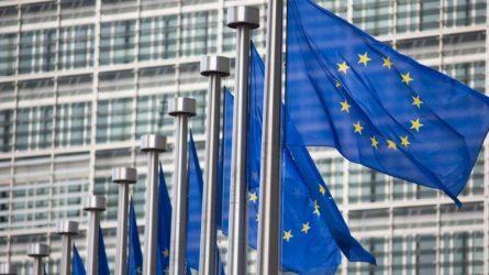 Κομισιόν για Έβρο: Θα προστατεύσουμε τα σύνορα της ΕΕ – Έκκληση για αποκλιμάκωση