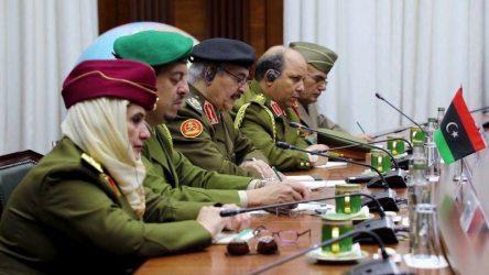 Συνάντηση Χαφτάρ με τον Ρώσο υπουργό Άμυνας