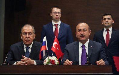 Ο Τσαβούσογλου ζήτησε από τον Λαβρόφ να σταματήσουν οι επιθέσεις στην Συρία