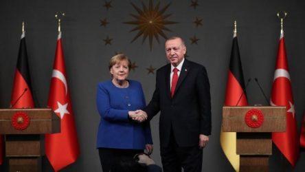 Η Μέρκελ εξέφρασε τη συμπαράστασή της στον Ερντογάν για τα γεγονότα στο Ιντλίμπ