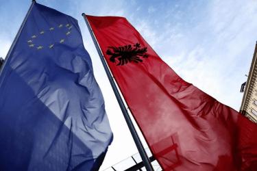 Το Συμβούλιο της ΕΕ αποφάσισε την έναρξη διαπραγματεύσεων προσχώρησης με τη Δημοκρατία της Αλβανίας