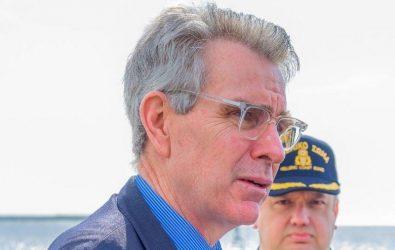 Τζέφρι Πάιατ: Ενθαρρύνουμε επενδυτές για τα ναυπηγεία της Ελευσίνας