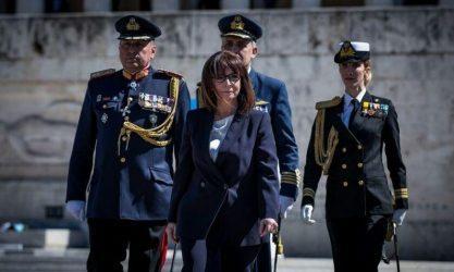 Πρόεδρος της Δημοκρατίας: Σήμερα, οι Έλληνες δίνουμε ακόμα μια ιστορική μάχη