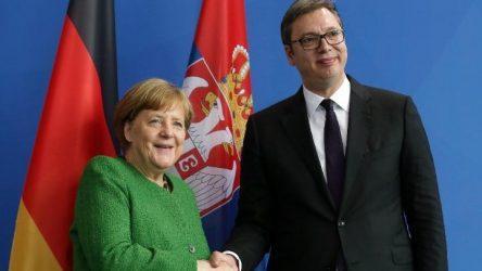 Με τηλεδιάσκεψη οι συνομιλίες Μέρκελ με Βούτσιτς και Μπέτελ