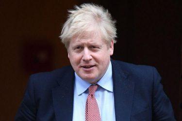 Ο Μπόρις Τζόνσον καλεί την ΕΕ να σταματήσει τις «απειλές» σε βάρος της χώρας του