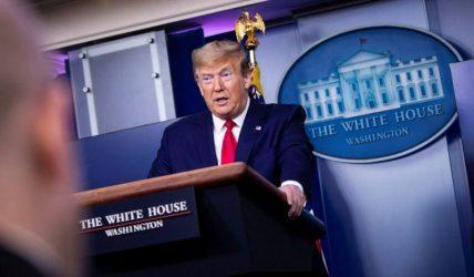 Τραμπ: Αναστολή μέχρι νεωτέρας η μετανάστευση προς τις ΗΠΑ