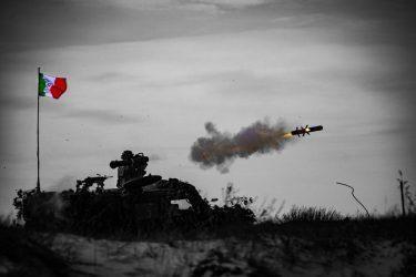 Η Ομάδα Μάχης του ΝΑΤΟ στην Λετονία συνεχίζει τις ασκήσει παρά την Πανδημία