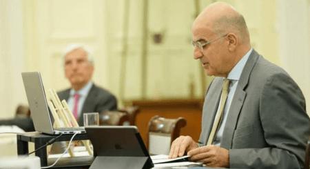 Υπουργός Εξωτερικών:  Οι τομεάρχες του ΣΥΡΙΖΑ συμφωνούν με τα fake news του κ. Βελόπουλου