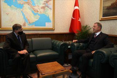 Τουρκία: Συνάντηση Χαλουσί Ακάρ και Ντέινβιντ Σάτερφιλντ