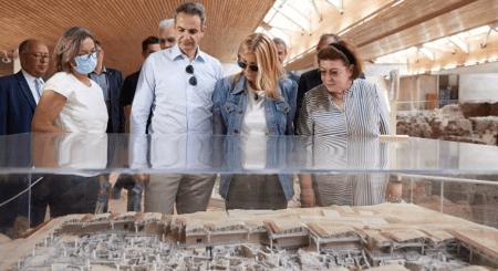 Πρωθυπουργός: : Η Ελλάδα είναι έτοιμη να υποδεχθεί τους τουρίστες με ασφάλεια
