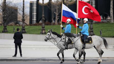 Μόσχα: Η Τουρκία δεν μπορεί να εξάγει τους S-400 χωρίς την συγκατάθεση μας