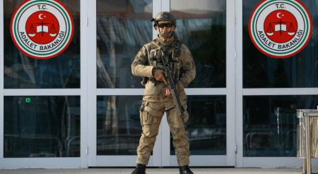 Σύλληψη 414 στρατιωτικών στην Τουρκία
