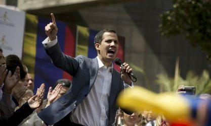 Το Λονδίνο αναγνώρισε τον Γκουαϊδό ως πρόεδρο της Βενεζουέλας