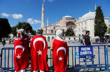 Cumhuriyet: Προσβολή στον Κεμάλ