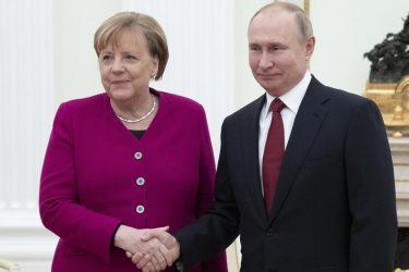 Χωρίστηκαν τα στρατόπεδα – Γερμανία και Ρωσία απέναντι σε Ελλάδα και ΗΠΑ