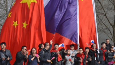 Kινέζος διπλωμάτης: Ο πρόεδρος της Γερουσίας της Τσεχίας Μίλος Βίστριτσιλ θα πρέπει να «πληρώσει βαρύ τίμημα»