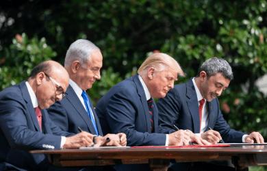 Στον Λευκό Οίκο υπογραφόταν Συμφωνία Ειρήνης και στην Παλαιστίνη εκτόξευαν ρουκέτες προς το Ισραήλ – Απάντηση της Ιερουσαλήμ