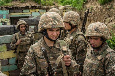 Οι Αρμένιοι καταγγέλλουν επίθεση των Αζέρων στο Ναγκόρνο-Καραμπάχ