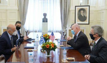 Συνάντηση Δένδια – Κούπερ: Συνεργασία Ελλάδας – ΗΠΑ για την προώθηση της περιφερειακής ασφάλειας