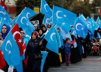 Η Βρετανία πιέζει την Κίνα με τους Ουιγούρους