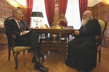Ο Τζέφρι Πάιατ ευχήθηκε στον αρχιεπίσκοπο Ιερώνυμο ταχεία ανάρρωση