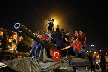 Τουρκία: 337 κατηγορούμενοι καταδικάσθηκαν σε ισόβια για την απόπειρα πραξικοπήματος του 2016