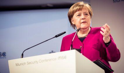 Μέρκελ: Η Γερμανία δεν έχει ακόμη ξεπεράσει την «ιστορική κρίση» της πανδημίας