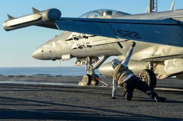 Αμερικανικό Πεντάγωνο: Η παρουσία του USS Nimitz στον Κόλπο δεν συνδέεται με την δολοφονία του Ιρανού πυρηνικού επιστήμονα