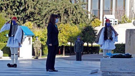 Πρόεδρος Δημοκρατίας: Οι Ένοπλες Δυνάμεις αξίζουν τον σεβασμό όλων μας