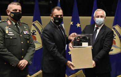 500.000 ευρώ για την κάλυψη επιχειρησιακών αναγκών των ΕΔ από την COSMOTE