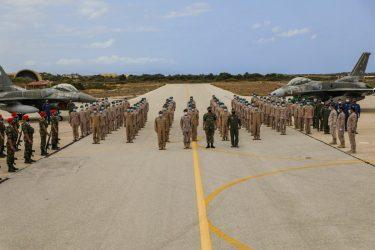Δημοσίευμα Forbes: Η αμυντική συμφωνία μεταξύ Ελλάδας και ΗΑΕ μπορεί να οδηγήσει σε μια συνολική αγορά αμυντικού εξοπλισμού μεταξύ των δύο χωρών