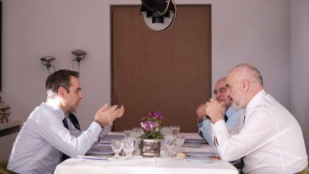 Ικανοποίηση Πρωθυπουργού και Έντι Ράμα για τη σταθερή βελτίωση των διμερών σχέσεων