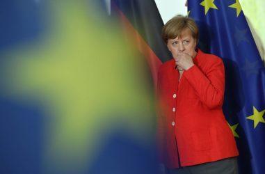 Kαγκελάριος της Γερμανίας: Εκτός ελέγχου η πανδημία