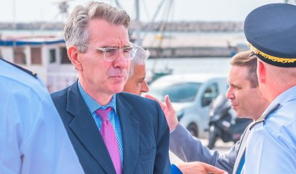 Τζέφρι Πάιατ για εξοπλιστικά: Δεν πουλάμε μέταλλα αλλά πλατφόρμες που θα ενισχύσουν την σχέση Ελλάδας  – ΗΠΑ