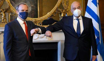 Βρετανικές Διπλωματικές πηγές: «Συμφωνία-ομπρέλα» για στρατηγική εταιρική σχέση ετοιμάζουν Ελλάδα και Μ. Βρετανία