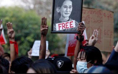 Μιανμάρ: Νέες μαζικές κινητοποιήσεις εναντίον του στρατιωτικού πραξικοπήματος