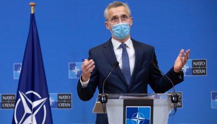 Στόλτενμπεργκ: Ανησυχούμε για τις στρατιωτικές δραστηριότητες της Ρωσίας στην Ουκρανία