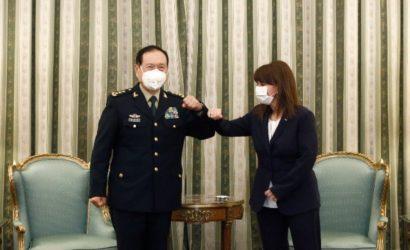 Τον Κινέζο Υπουργό Άμυνας υποδέχθηκε η Πρόεδρος της Δημοκρατίας
