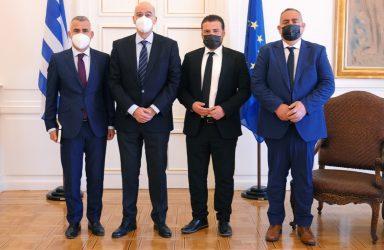 Συνάντηση Νίκου Δένδια με εκπροσώπους της Ελληνικής Μειονότητας στην Βόρεια Ήπειρο: «Η Ελλάδα σταθερά στο πλάι της Ελληνικής Εθνικής Μειονότητας στην Αλβανία».