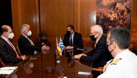 Συνάντηση του Υπουργού Άμυνας με τον Γερμανό Πρέσβη