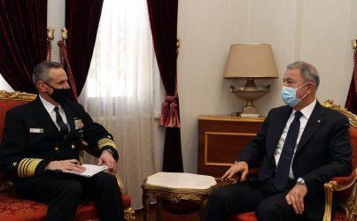 Οι Αμερικανοί «επισκέφτηκαν» τον Τούρκο Υπουργό Άμυνας