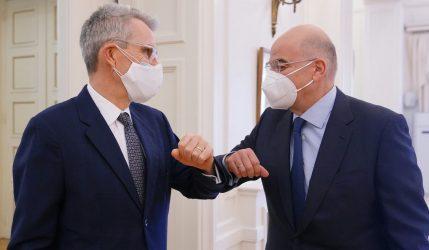Μετά την Λιβύη ο Νίκος Δένδιας συναντήθηκε με τον Αμερικανό Πρέσβη