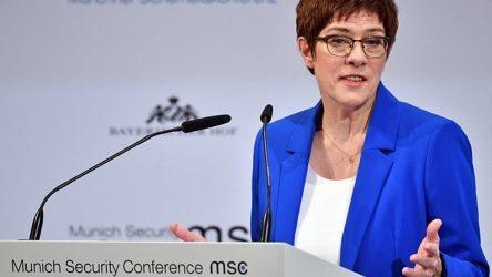 Υπουργός Άμυνας της Γερμανίας: Η Ρωσία απειλεί «άμεσα» την «ασφάλεια της Ευρώπης