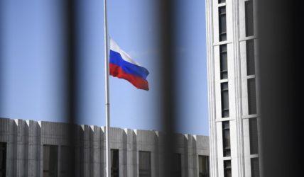 Η Μόσχα απελαύνει επτά διπλωμάτες από τη Σλοβακία, τη Λιθουανία, την Εσθονία και τη Λετονία