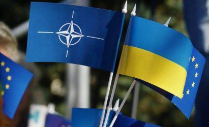 Ζελένσκι ζητά την ένταξη της Ουκρανίας σε ΕΕ και ΝΑΤΟ